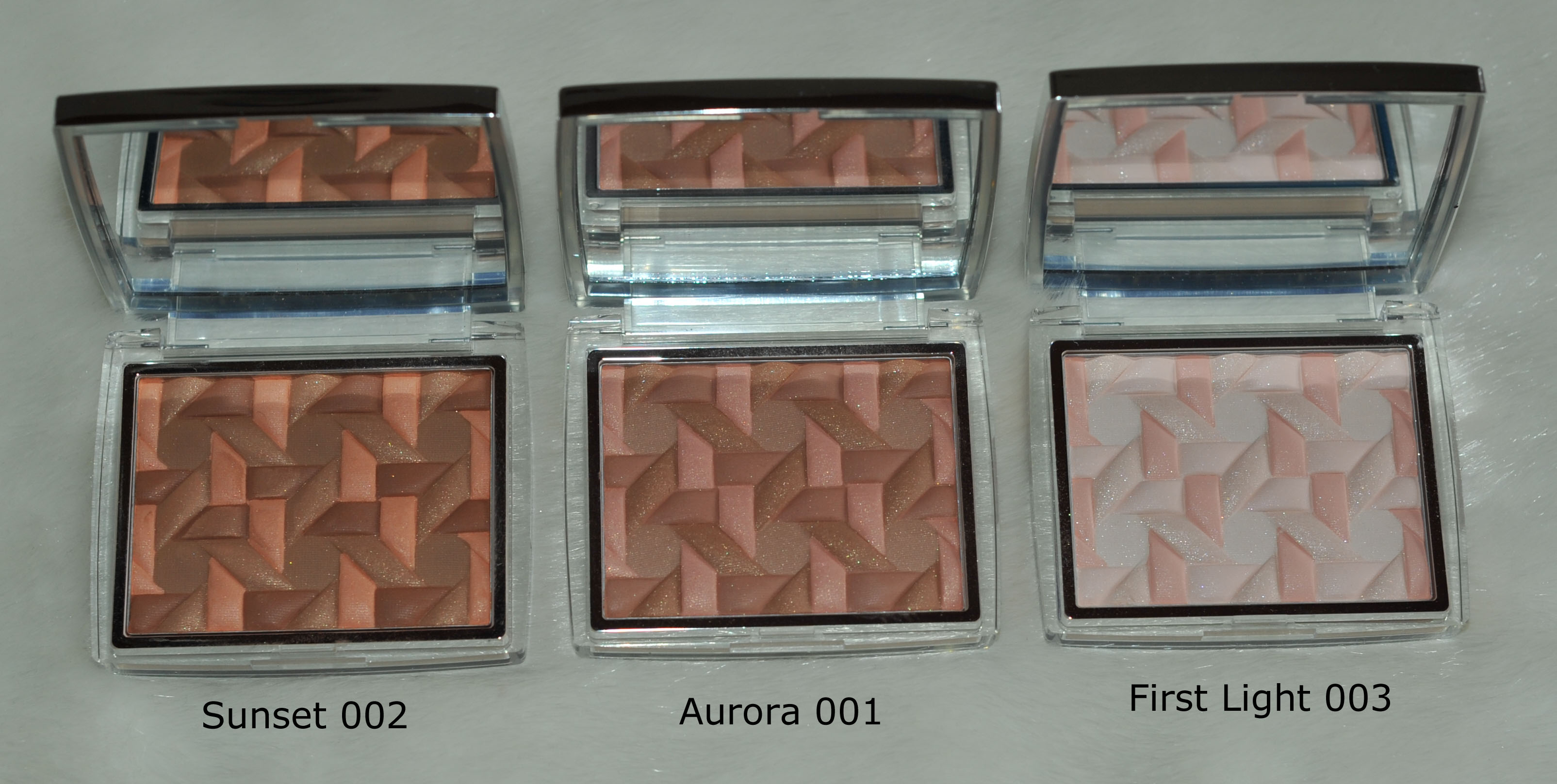 19ba36bf2 But for Chanel, and for these Les 4 Ombres quads and the Joues Contraste  blushes, the names are the same but the texture is completely different.