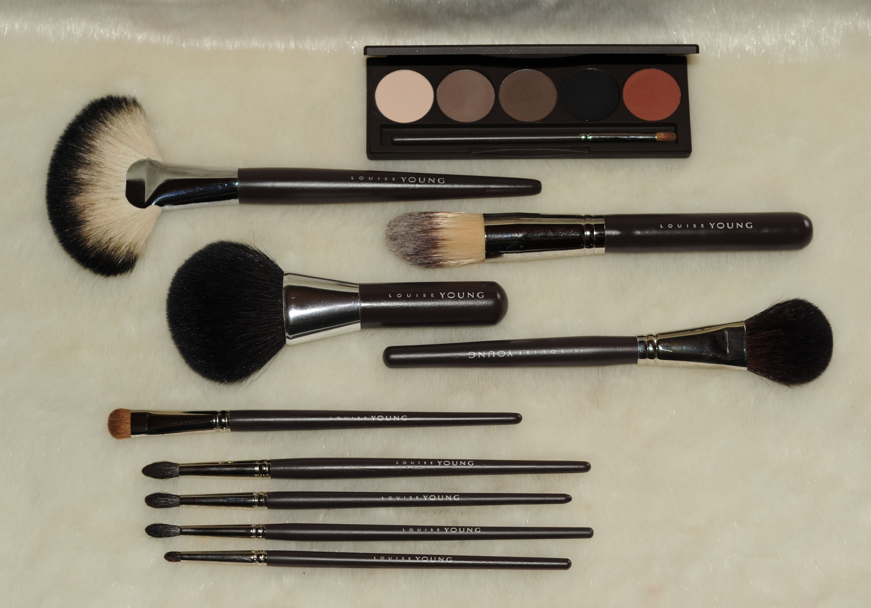 Louise Young brushes and palette - Sweet Makeup Temptations