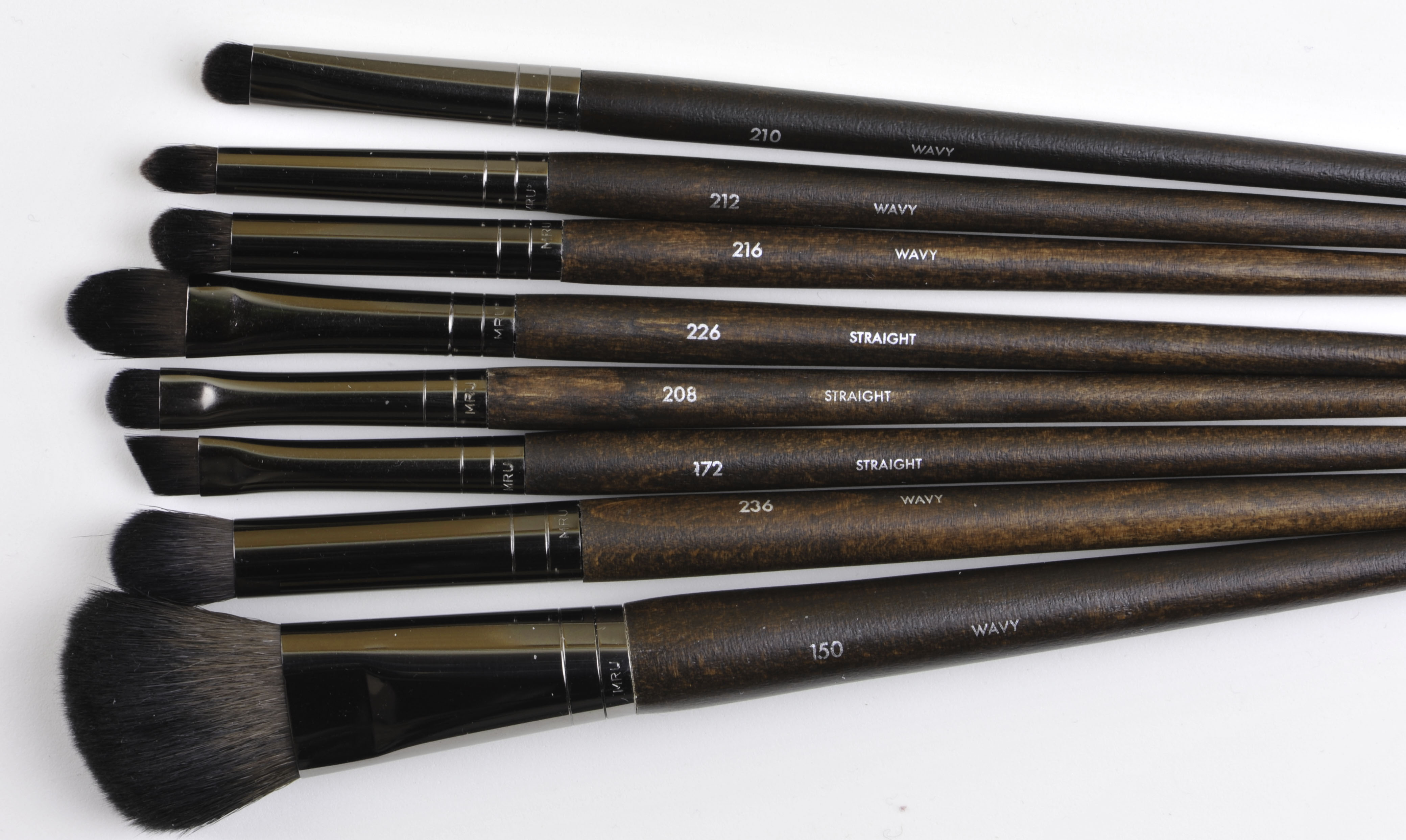 3f93fc6ed52 Compared to the Kokutan from Hakuhodo it's not the same category, I find  Hakuhodo more finished but I am not unhappy with the quality of these Make  up for ...