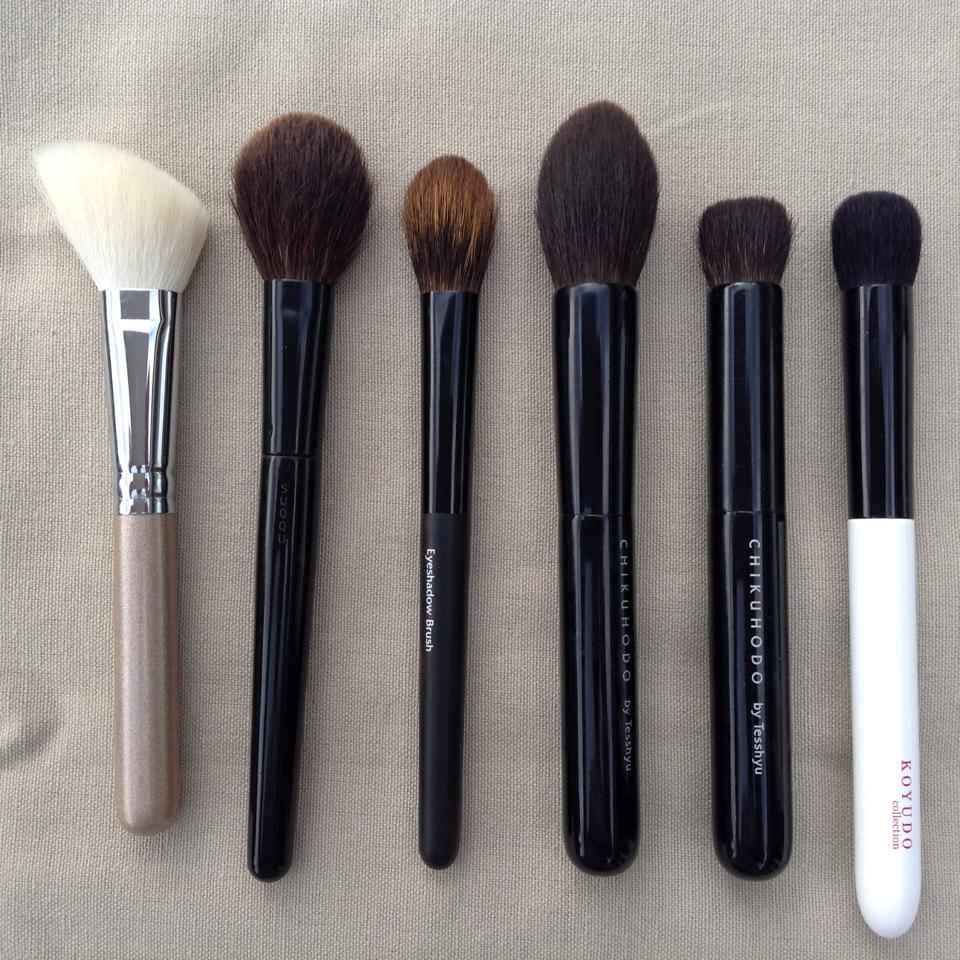 Cheek and contour brushes(1)
